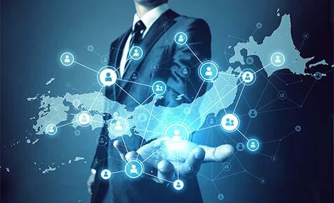 全国150以上の拠点ネットワークによる保守対応が可能です。デジタルサイネージの故障は営業に大きく影響します。故障した際に、専門エンジニアがすぐに駆け付けてくれる安心感があります。
